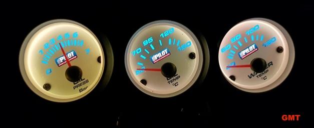 Suzuki vitara guida installazione manometri da destra: Pressione Olio - Temperatura Olio - Temperatura Acqua Accessori Pilot by Lampa